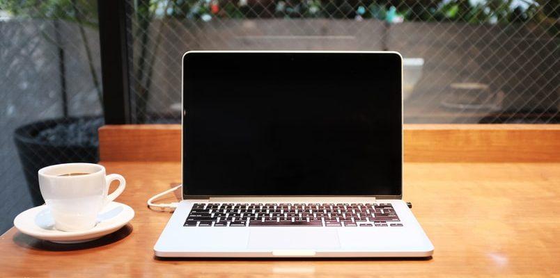 MacBook avec écran noir au démarrage